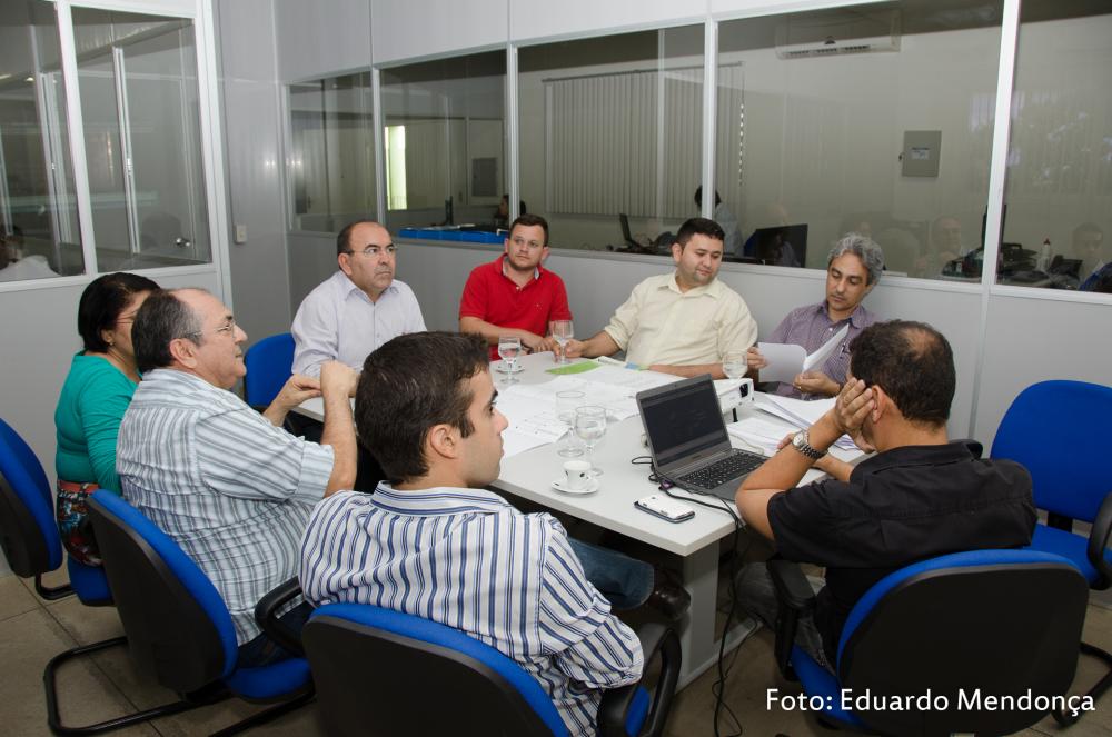 Reunião da Comissão de Implantação do Curso de Medicina da Ufersa, em reunião, discute diretrizes para o Curso