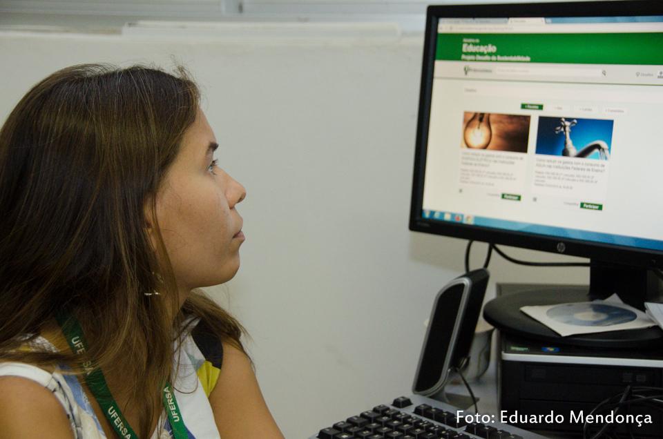 Professora Diana Lunardi, uma das diretamente envolvidas na campanha