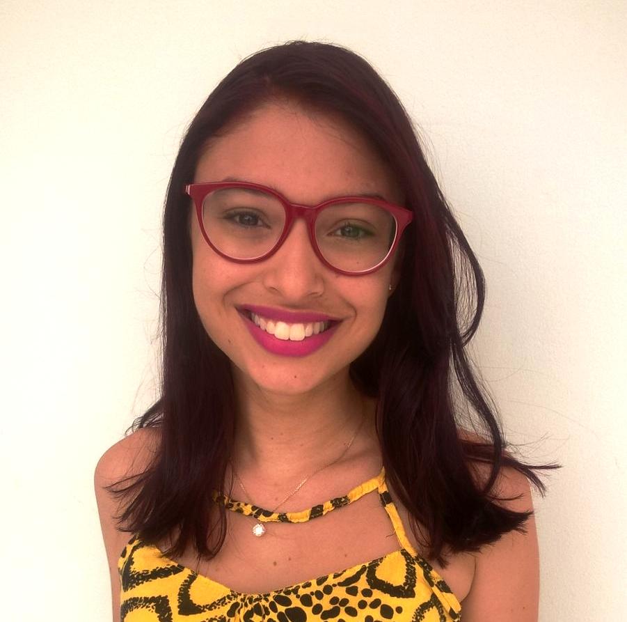 Maria Isabela Tavares é aluna e umas das professoras selecionadas