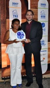 Marisqueira Navegante Mendonça e o professor Gustavo Gonzaga na noite de premiação da Fundação Banco do Brasil / Foto: cedida