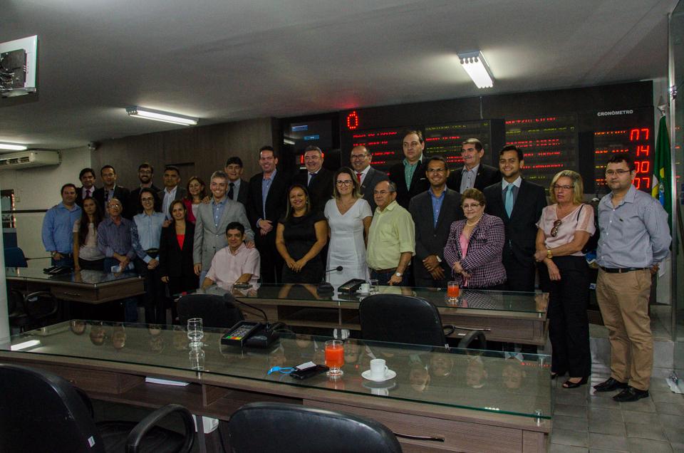 Foto oficial comemorativa da sessão solene em homenagem a Ufersa e o curso de medicina Veterinária/Foto: Eduardo Mendonça
