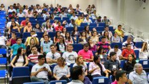 Estudantes de Ciência e Tecnologia e Engenharia Civil acompanhando o Seminário de Inovação / Foto Assecom Ufersa