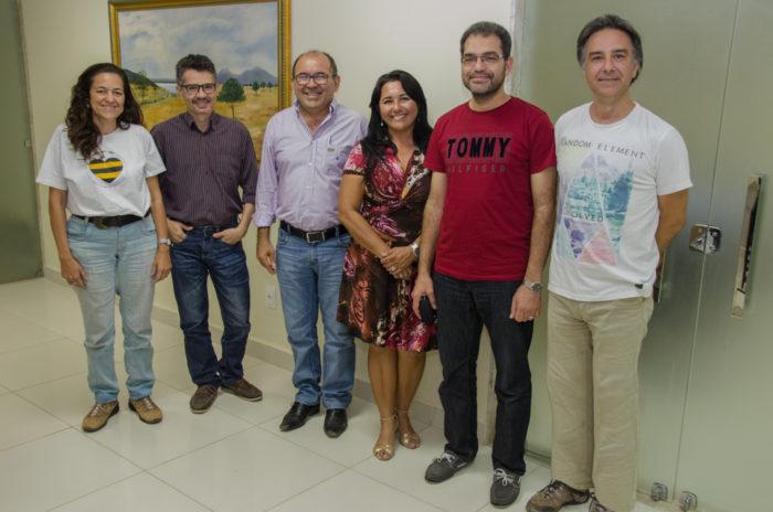 Autoridades da Ufersa recebendo visita do professor Salama da Espanha / Foto Assecom