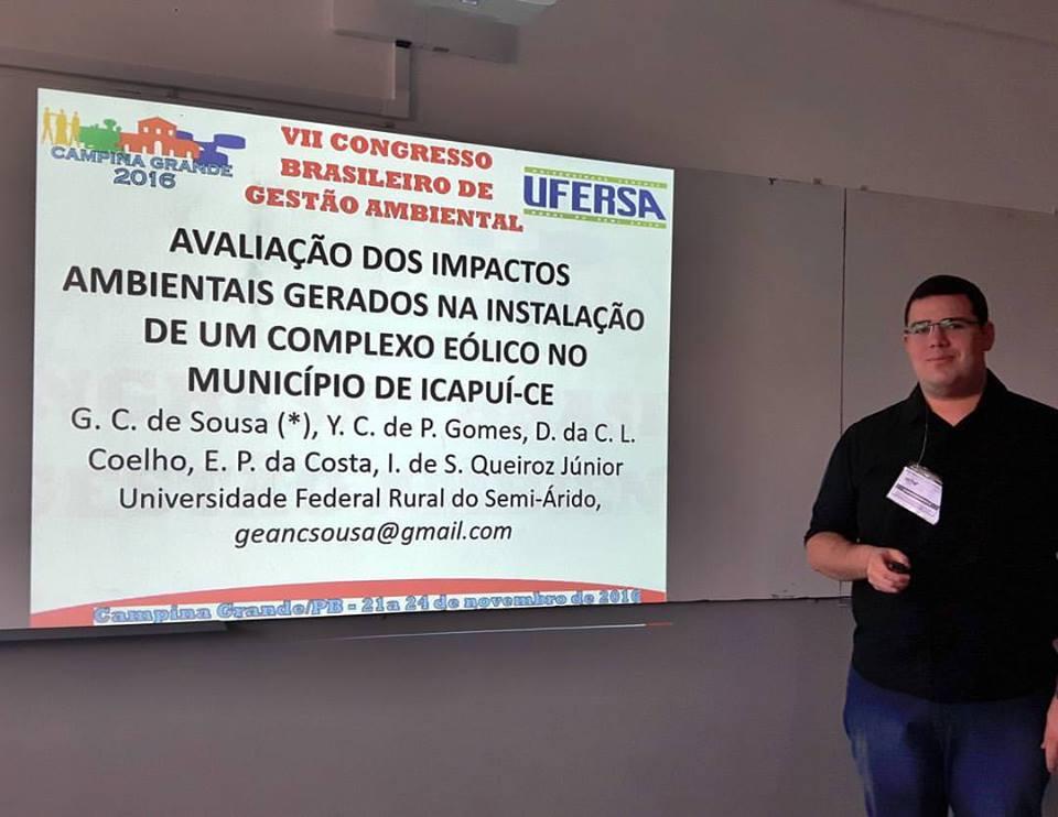 O estudante Gean Carlos durante a presentação Oral do Trabalho Premiado  Foto: Cedida